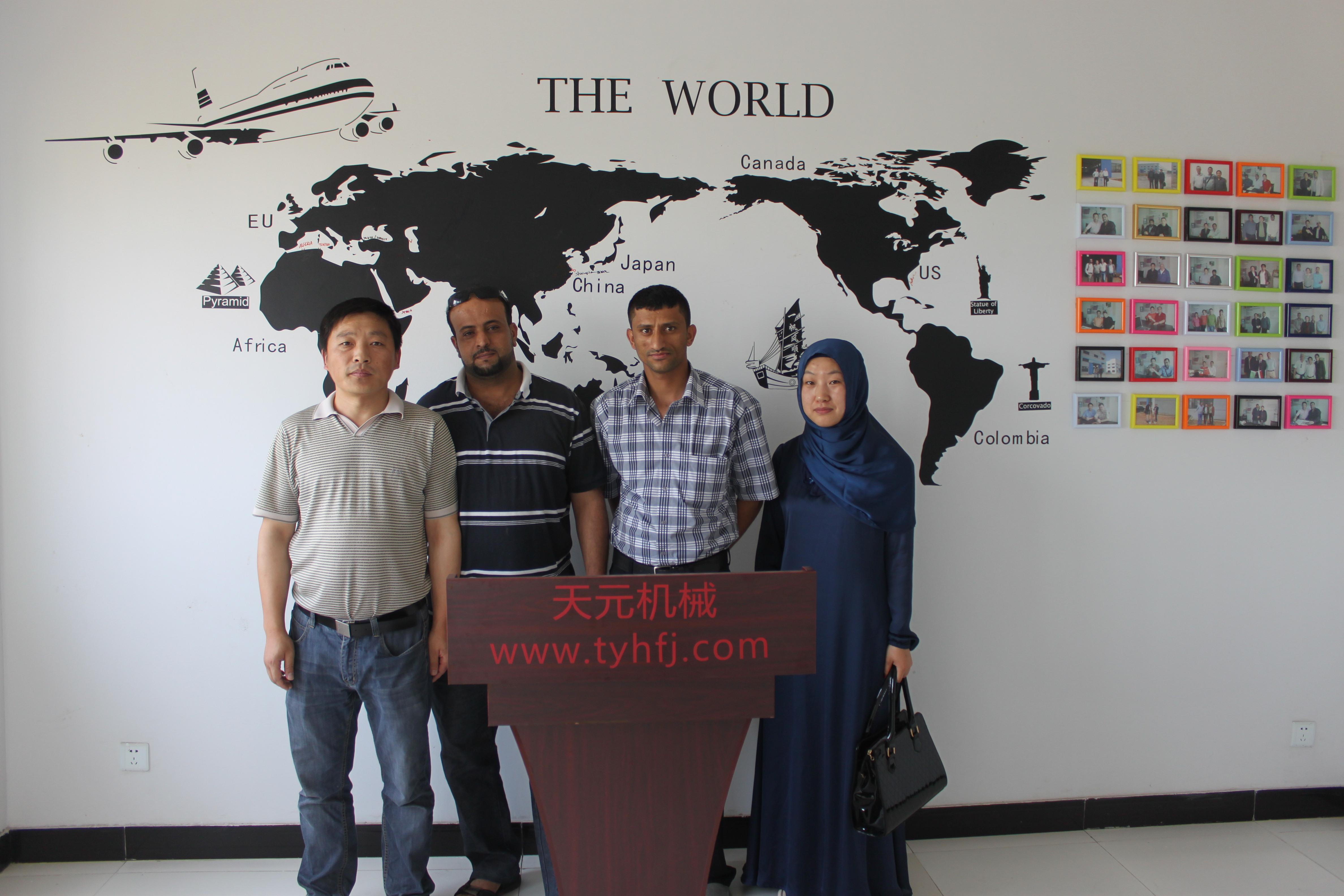 也门客户验货HFM-3000型珍珠球棉机
