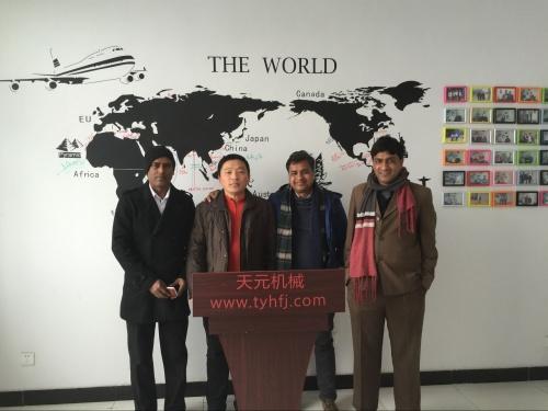 2016年1月22日孟加拉国客户来公司洽谈喷胶棉设备