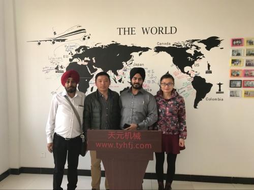 2017年3月10日,印度客户来厂参观,欲购买无胶棉设备等
